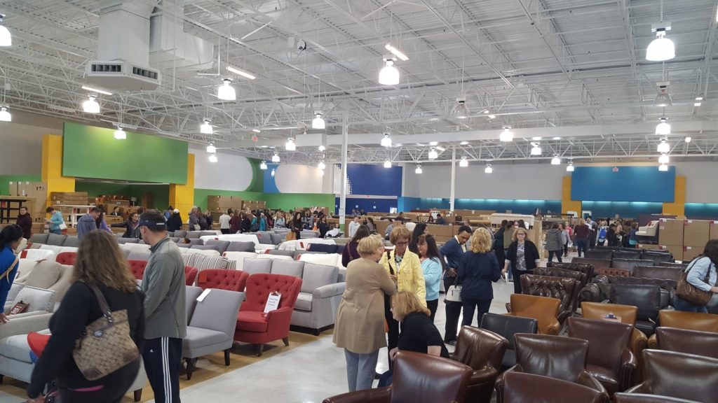 Pottery Barn Warehouse Pop Up Opens In Central Park Fredericksburg Va Mcb Real Estate